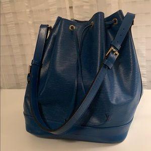 Louis Vuitton GM Noe shoulder bag.